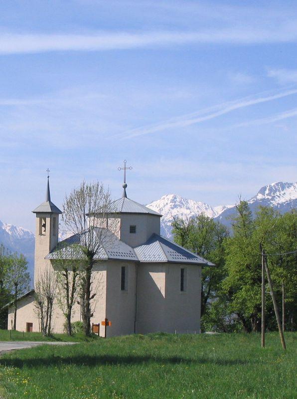 La chapelle notre dame de beaurevers et l 39 glise st jean - Saint avre la chambre ...